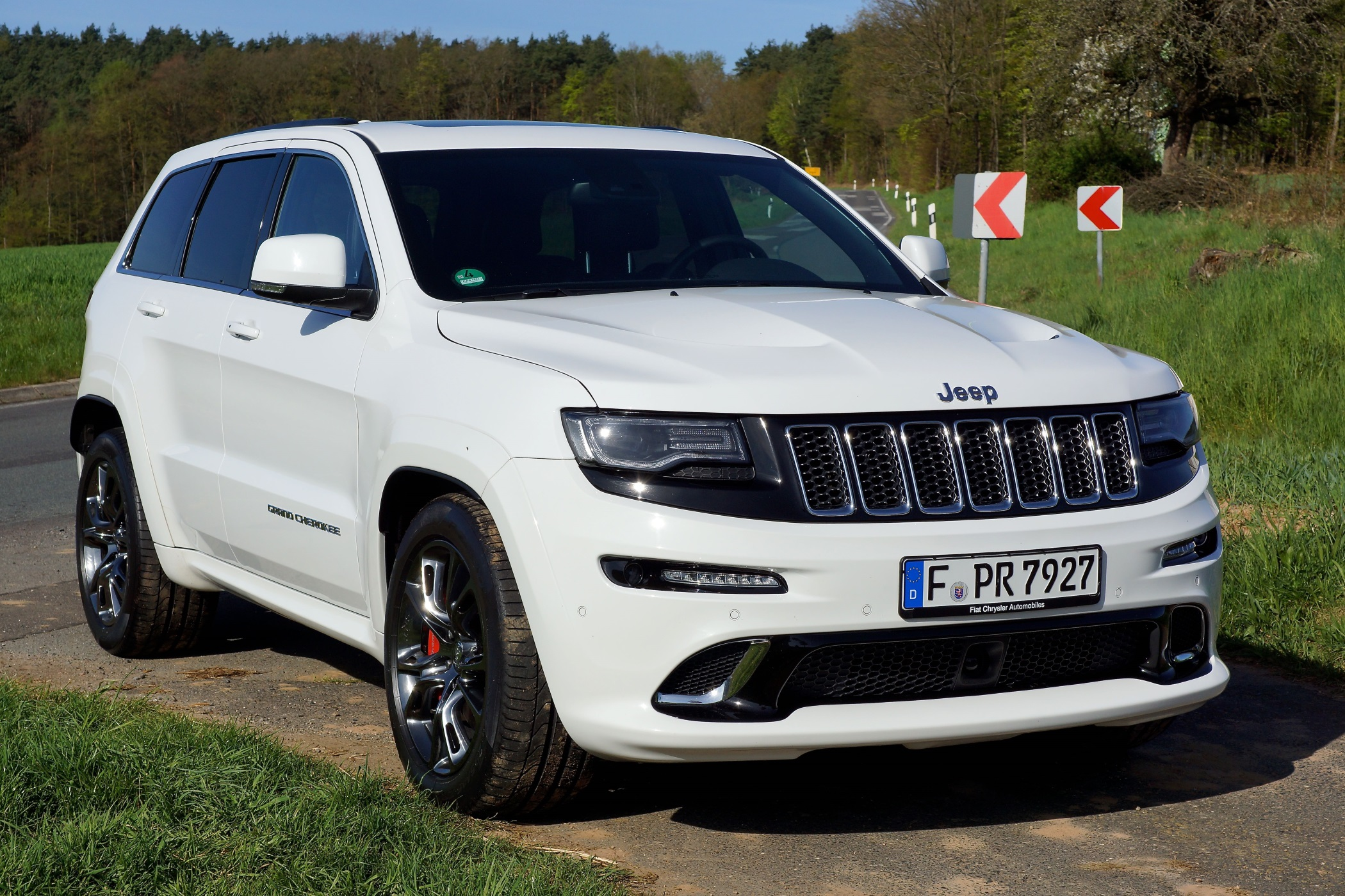 jeep grand cherokee srt 6 4l v8 weil autos einfach spa. Black Bedroom Furniture Sets. Home Design Ideas